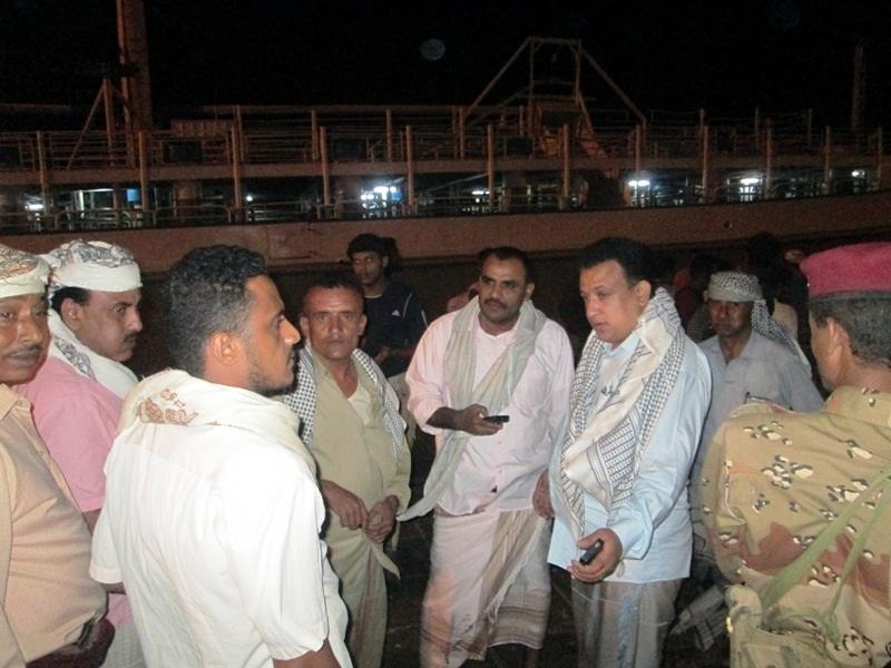 وصول الصيادين إلى ميناء المخاء 1 وصول135 صياد يمني الى ميناء المخاء