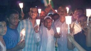 00001 300x168 الحديدة : مسيرة ليلية بالشموع تستغيث برئيس الجمهورية من إنقطاع الكهرباء المتواصل