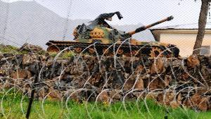 04 10 12 179679015 الجيش التركي يرد على قصف جديد من الجانب السوري