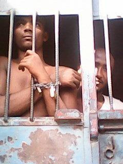 1(33) الحديدة: منظمة حقوقية تكشف عن حالات تعذيب لعدد من السجناء بإدارة أمن بيت الفقيه
