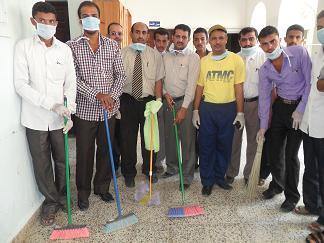1(69) حملة نظافة واسعه في المعهد العالي للعلوم الصحية بالحديدة