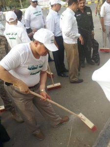 10437364 10203456369225769 3292129093105842530 n 225x300  صور  محافظ محافظة الحديدة يدشن حملة نازل من أجل نظافة مدينتي