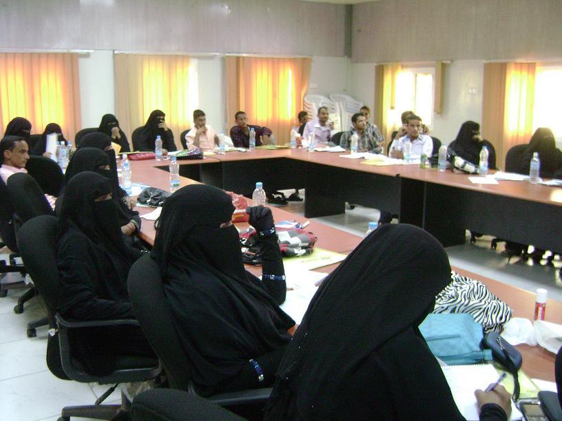 11(1)  إختتام دورة حول التخطيط والمشاركة من منظور النوع الاجتماعي بالحديدة