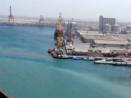 11 ضبط شحنة صواريخ قادمة من إيران بميناء الحديدة