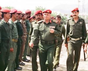 111112 300x242 الرئيس هادي يطالب بإستراتيجية جديدة لمواجهة الاختلالات ويهاجم المركزية التي انتهجها النظام السابق