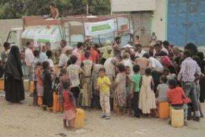 11147 300x200 مؤسسة صلة التنموية تدشن مشروع أغاثة المتضررين من المياة بالحديدة