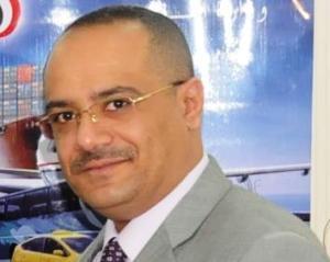 1120  أول مسئول يمني رفيع المستوى يزور مواطن للاعتذار منه