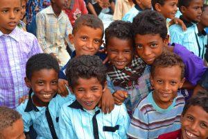 11951202 1130286550332330 2663672973842148834 n 300x200 مؤسسة المنار للتنمية بالمراوعة تحتفل بمناسبة إختتام المساحات الصديقة لـ 300 طفل بالحديدة