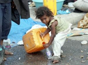 1254 300x224 نصف مليون مواطن في الحديدة مهددون بالعطش جراء توقف خدمة المياه والصرف الصحي عن العمل