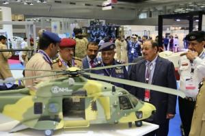12794467 1007469546000515 1428815257166591714 n 300x199 صور .. علي محسن الأحمر يشارك في معرض ومؤتمر الدوحة للدفاع البحري
