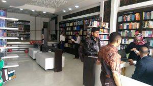 13062227 941805505933256 4118343744388728858 n 300x169 إفتتاح أول مكتبة للأطفال باللغة الانجليزية بصنعاء