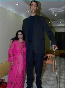 13102 20131029 191928 224x300 أطول رجل في العالم يتزوج سورية أقصر منه بنصف متر