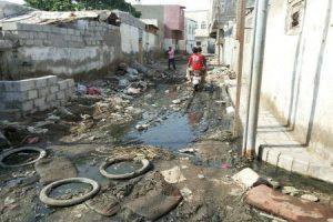 المؤسسة المحلية للمياه بالحديدة تحذر من كارثة بيئية بسبب انقطاع الكهرباء