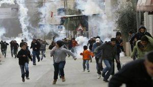 140502184800 45881 0 300x171 الاحتلال الاسرائيلي يواصل قمعه مسيرات التنديد بالاستيطان وسط رفض دولي