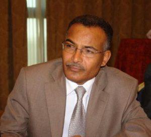 1425337775 300x272 تصريحات صحفية تتسبب في فصل سكرتير الرئيس السابق صالح