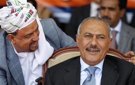 2(15)  تحركات دبلوماسية غربية وخليجية لفرض عقوبات على صالح ومعاونيه وقيادات انفصالية