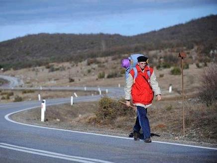 2(31) بوسني يقطع 6000 كيلومتر مشياً لأداء فريضة الحج
