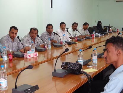 22(8) الحديدة : المشاركون في اللقاء التشاوري يدعون المؤسسات الحكومية الإضطلاع بدورها تجاة المواطن