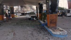 2232 300x168  شاهد ما أحدثتة طائرات العدوان السعودي في جسر المصباحي من دمار هائل في المحلات والممتلكات الخاصة بالمواطنين بصنعاء