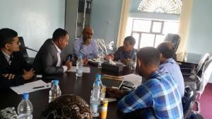 2243 300x168 مدير مكتب الأمم المتحدة (أوتشا) يزور مؤسسة تمدين شباب بتعز