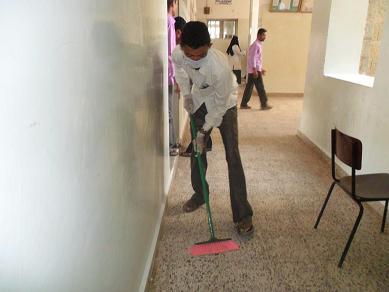 4(14) حملة نظافة واسعه في المعهد العالي للعلوم الصحية بالحديدة