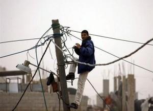 422 300x217 كهرباء اليمن في مرمى نيران القبائل والصراعات السياسية