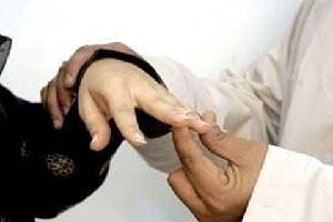 5(6) سعودي خمسيني يتزوج طالبة ومعلمة ومديرة ومشرفة
