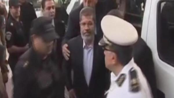 529 إحالة مرسي إلى الجنايات في قضية الهروب من النطرون