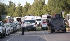 733 300x178 إصابة شخصين ومقتل سائق حافلة في انفجار بتركيا