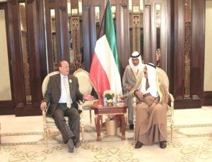 AK2T7979a 300x230 الرئيس : لا أحد ينكر سخاء الكويت تجاه اليمن
