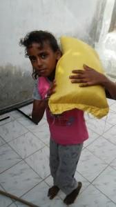 cf651d2c 500b 487d a98d d3985858ff88 168x300 (منى) تواصل حملتها الإغاثية في المناطق المتضررة من كارثة السيول في محافظة الحديدة
