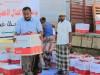 الهلال الأحمر الإماراتي يواصل توزيع المساعدات الإنسانية لسكان باب المندب والمناطق الساحلية